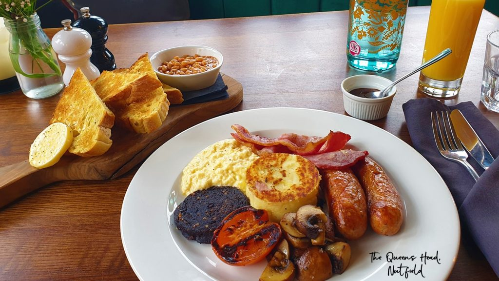 full english breakfast at the Queens Head Pub at Nutfield, Redhill, Surrey