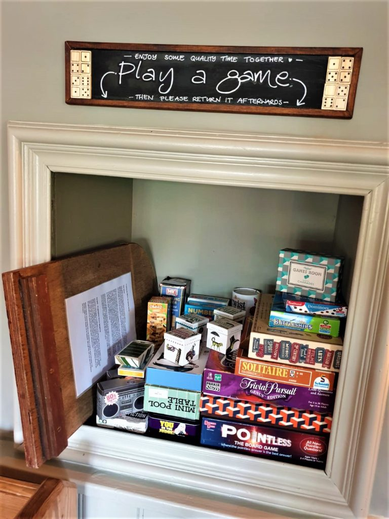 board games at the Queens Head Pub at Nutfield, Redhill, Surrey